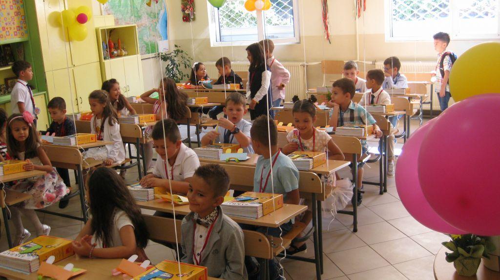 Първият учебен ден- предизвикателство за всички- но вълнуващо и мило предизвикателство! - Начален учител Милена Борисова - Плевен